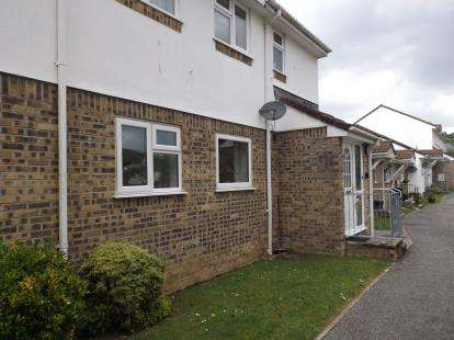2 Bedrooms Flat for sale in Trevarrick Road, St. Austell, Cornwall