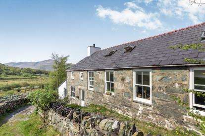 Detached House for sale in Dinorwic, Caernarfon, Gwynedd, North Wales, LL55