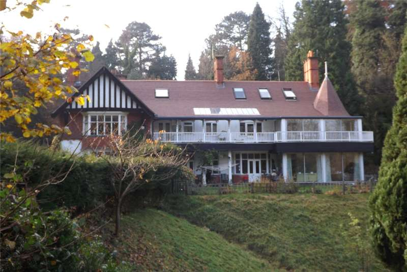 2 Bedrooms Flat for sale in Portley Wood Road, Whyteleafe, Surrey, CR3