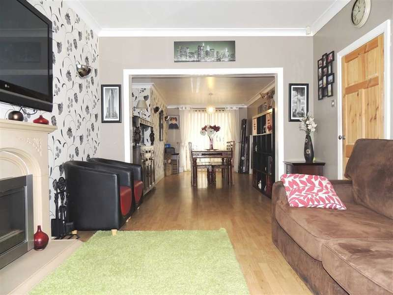 3 Bedrooms Property for sale in Marcliffe Drive, Levenshulme, Manchester