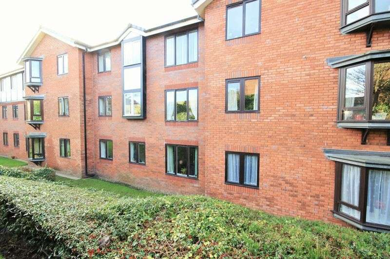 2 Bedrooms Flat for sale in St. Johns Park, Whitchurch