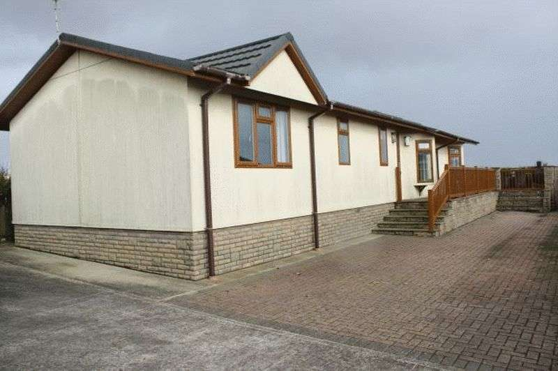 2 Bedrooms Detached Bungalow for sale in 24 The Headlands, Far Grange Park, Skipsea, East Riding of Yorkshire, YO25 8SY