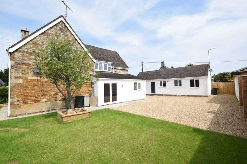 4 Bedrooms Detached House for sale in Main Street, Caldecott, LE16 - With Annex