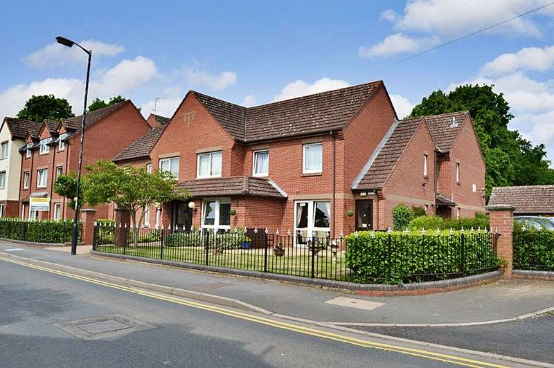 1 Bedroom Retirement Property for sale in Malin Court, Alcester, B49 5DJ