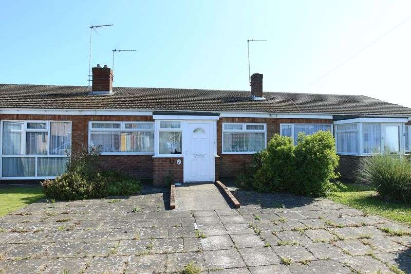 2 Bedrooms Bungalow for sale in McLean Drive, Lowestoft