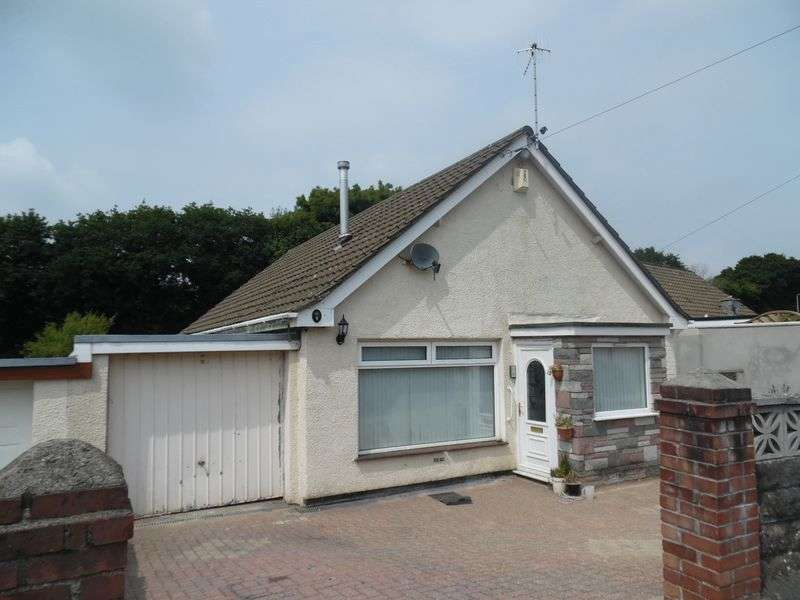 3 Bedrooms Detached Bungalow for sale in Forest Close Sarn Bridgend CF32 9SE