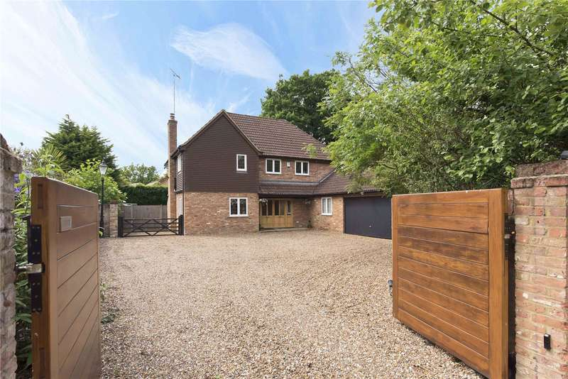 4 Bedrooms Detached House for sale in Wey Manor Road, New Haw, Addlestone, Surrey, KT15