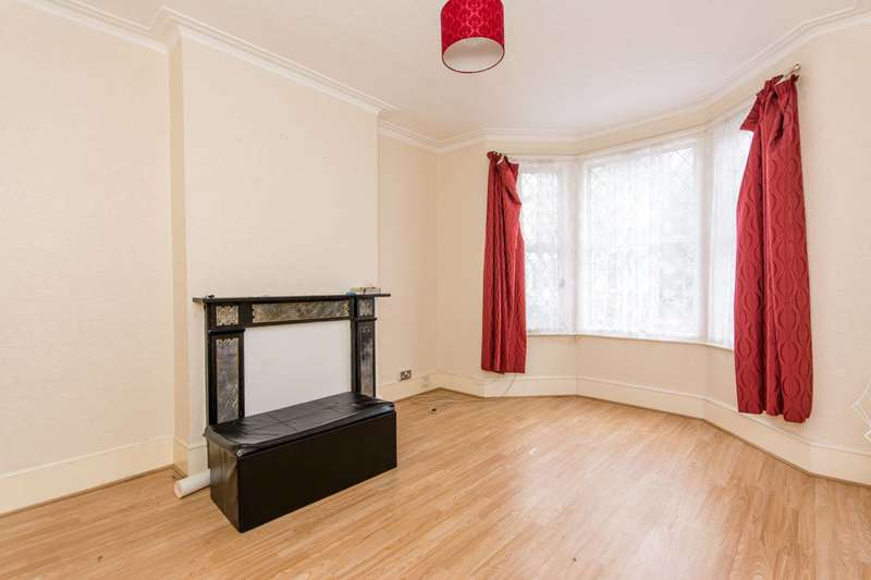 2 Bedrooms Flat for sale in Eynham Road, Shepherd's Bush, W12