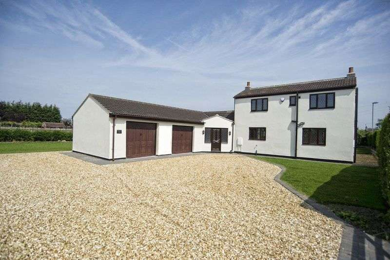 4 Bedrooms Detached House for sale in West Street, West Butterwick