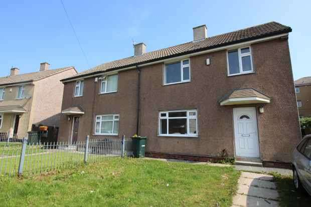 3 Bedrooms Semi Detached House for sale in Farway, Bradford, West Yorkshire, BD4 0EG
