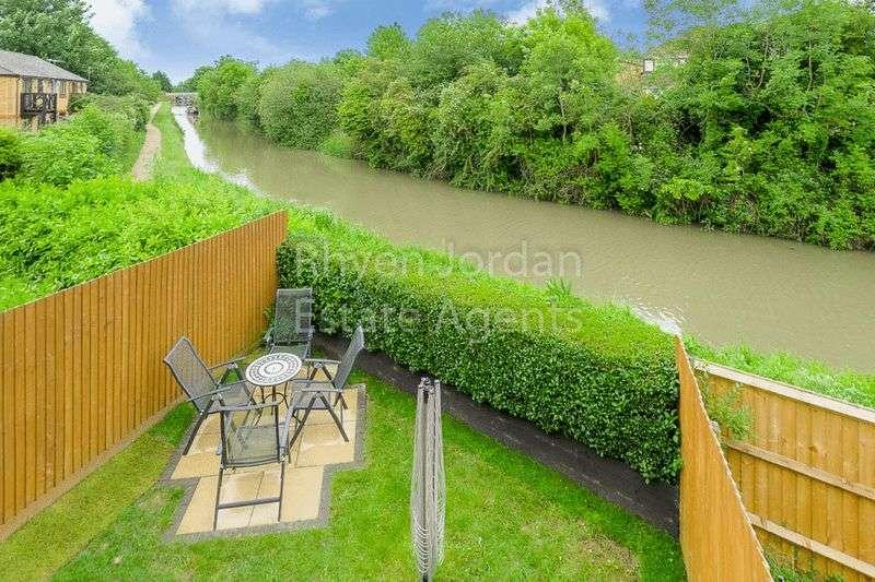 4 Bedrooms Property for sale in Bridge Street, New Bradwell, Milton Keynes