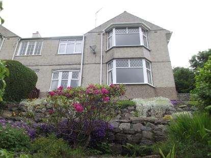 3 Bedrooms Semi Detached House for sale in Upper Garth Road, Bangor, Gwynedd, LL57