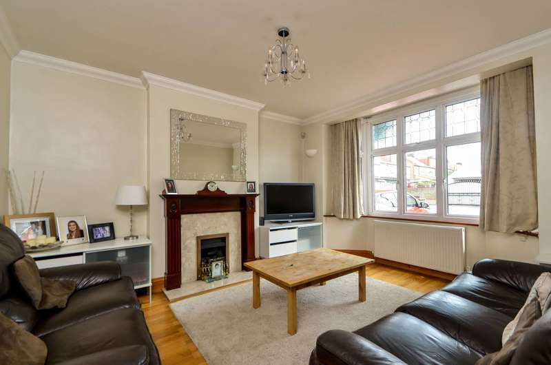 5 Bedrooms End Of Terrace House for sale in Berthons Gardens, Walthamstow, E17