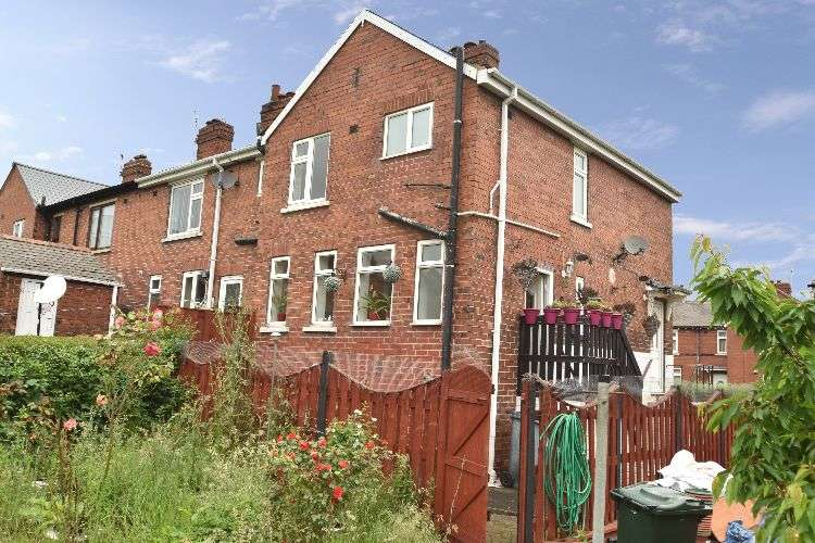 2 Bedrooms Terraced House for sale in Lowfield Avenue, South Yorkshire, S61 4PD