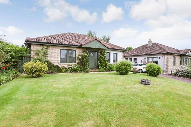 3 Bedrooms Detached Bungalow for sale in Westpark Gate, Saline