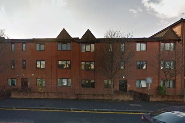 2 Bedrooms Apartment Flat for sale in Rothesay Court , Dumbarton Road,, Glasgow, G14 0NT