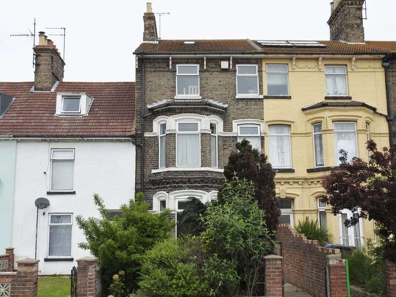 4 Bedrooms Terraced House for sale in Denmark Road, Lowestoft