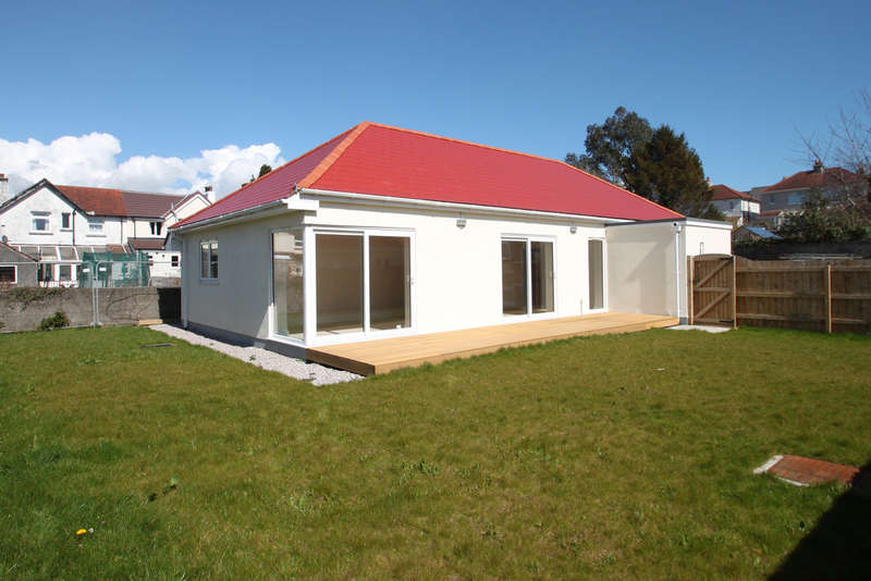 3 Bedrooms Detached Bungalow for sale in Crownhill, Plymouth