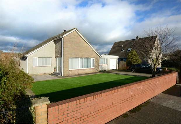 3 Bedrooms Detached House for sale in Greenknowe Avenue, Annan, Dumfries and Galloway