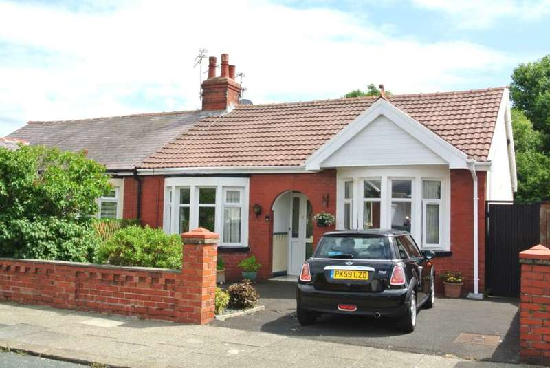 2 Bedrooms Semi Detached Bungalow for sale in Selby Avenue, Blackpool, FY4 2LY