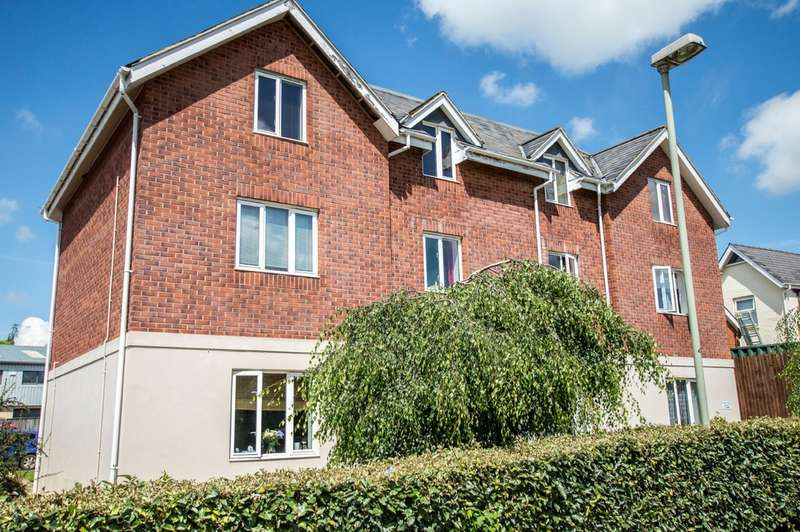 2 Bedrooms Flat for sale in Chiltern Road, Prestbury, Cheltenham GL52 5JE