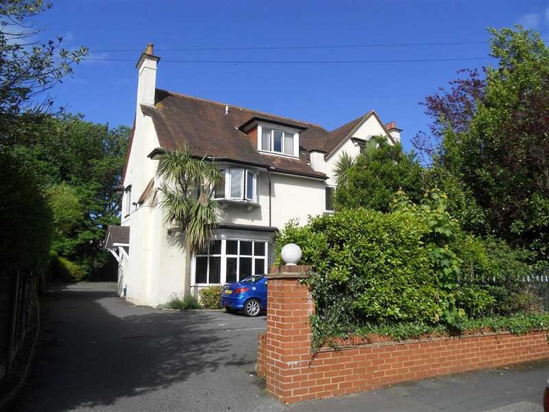 2 Bedrooms Maisonette Flat for sale in 51 Portchester Road, Charminster, BH8