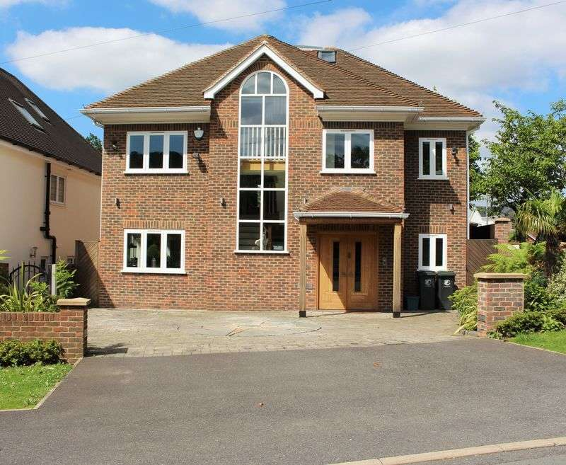 4 Bedrooms Detached House for sale in 4 bedroom detached house for sale, Chester Road, Chigwell, Essex, IG7