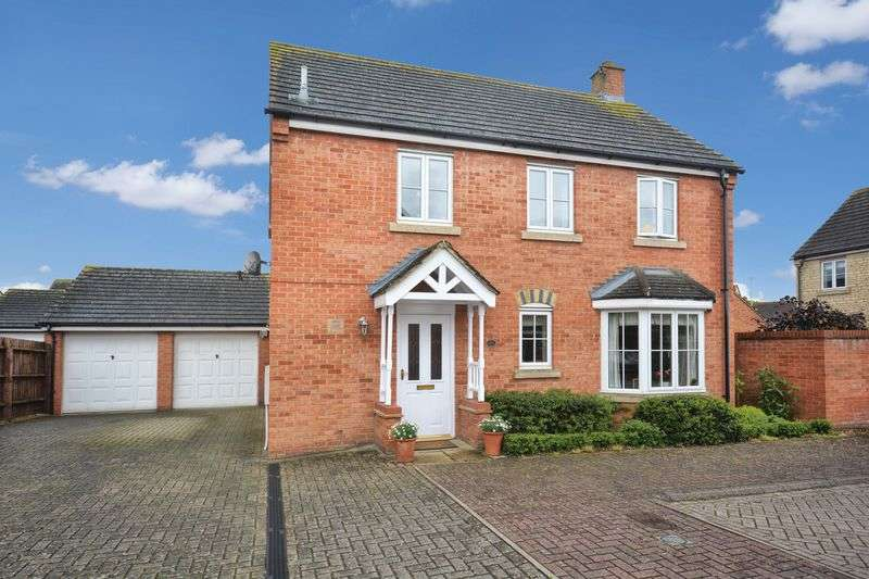 4 Bedrooms Detached House for sale in Corncrake Way, Bicester
