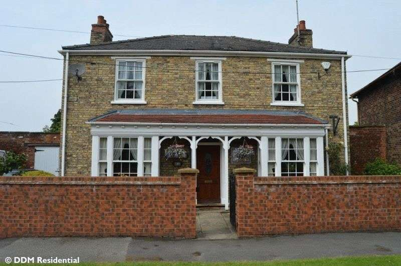 4 Bedrooms Detached House for sale in Barrow Road, Barton-Upon-Humber