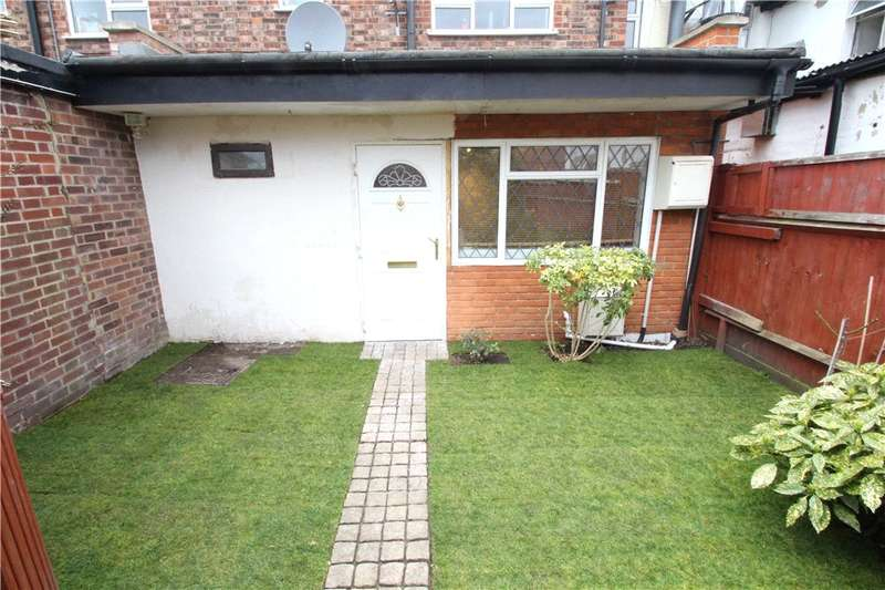 2 Bedrooms Maisonette Flat for sale in Walton Road, Maybury, Woking, Surrey, GU21