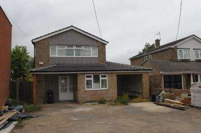 5 Bedrooms Detached House for sale in Southminster, Essex