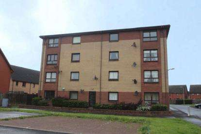 2 Bedrooms Flat for sale in Laighpark View, Paisley, Renfrewshire