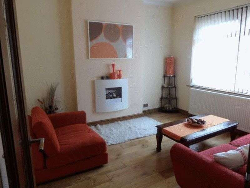 3 Bedrooms Semi Detached House for sale in Keble Avenue, Oldham