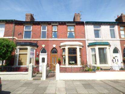 3 Bedrooms Terraced House for sale in Promenade Road, Fleetwood, FY7