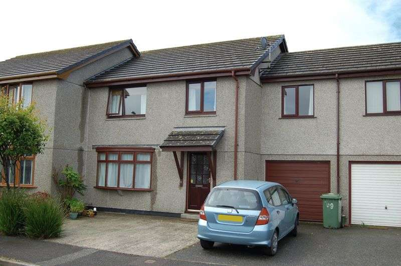 4 Bedrooms Terraced House for sale in Ash Drive, Hayle