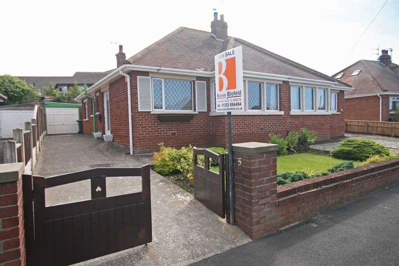 2 Bedrooms Semi Detached Bungalow for sale in Breck Drive, Poulton-Le-Fylde