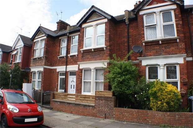 3 Bedrooms Flat for sale in Cornwall Gardens, LONDON, Uk