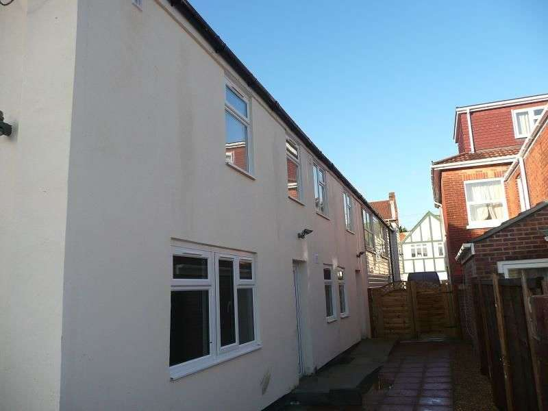 6 Bedrooms Property for rent in Lodge Road, Southampton, SO14