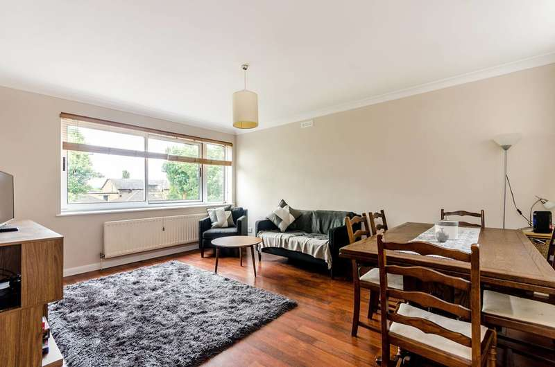 2 Bedrooms Flat for sale in Ivy Court, Lee Road, Blackheath, SE3