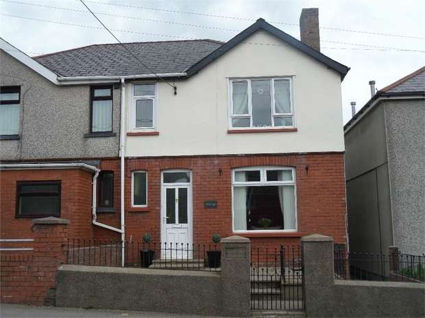 3 Bedrooms Semi Detached House for sale in Church Road, Talywain, Pontypool, Torfaen