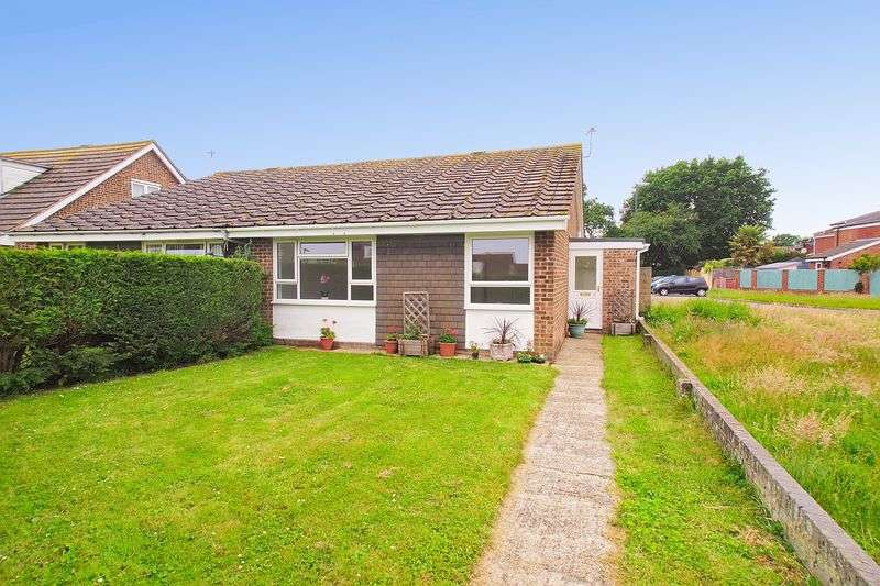 2 Bedrooms Semi Detached Bungalow for sale in Stoney Stile Close, Bognor Regis, PO21