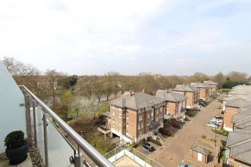 2 Bedrooms Flat for sale in Kingston Riverside