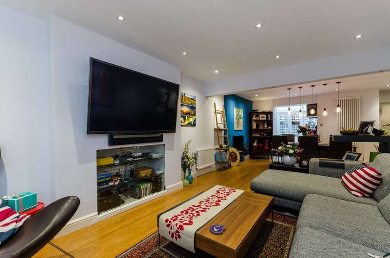 1 Bedroom Flat for sale in Lupus Street, Pimlico, SW1V