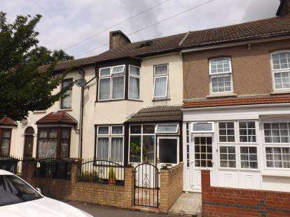4 Bedrooms Terraced House for sale in Walthamstow, London, Uk