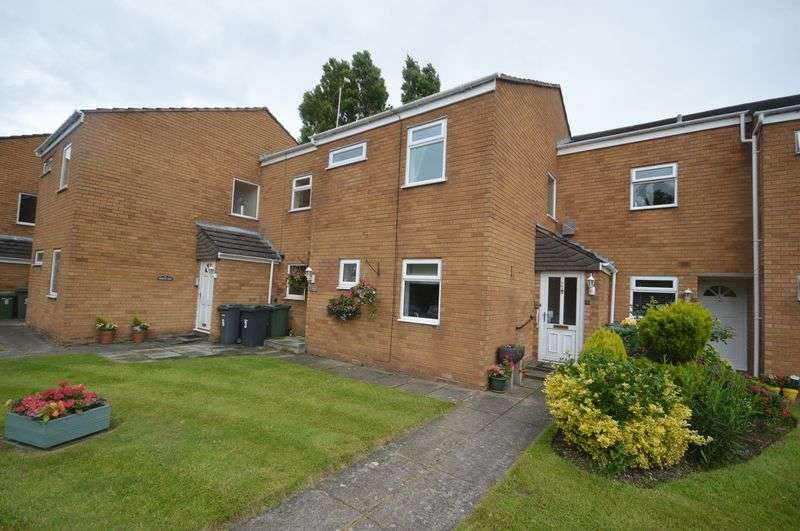 2 Bedrooms Flat for sale in Windsor Close, Greasby