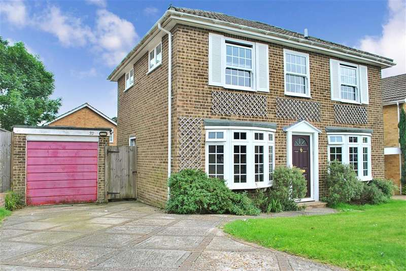 4 Bedrooms Detached House for sale in Stephenson Drive, East Grinstead, West Sussex
