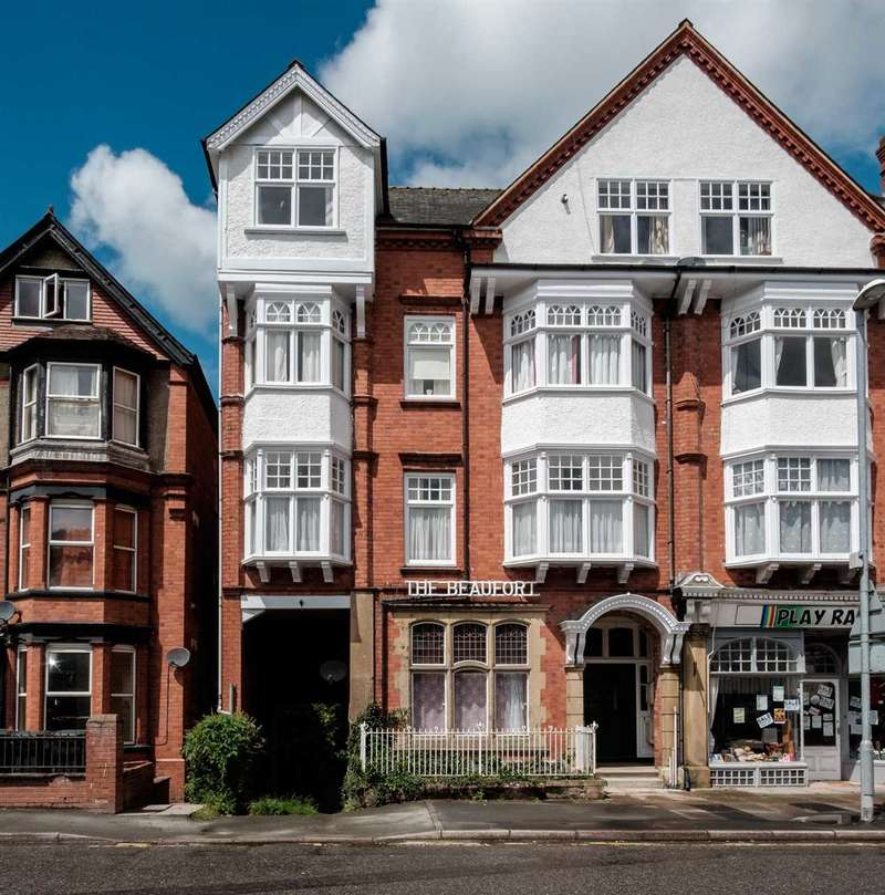 2 Bedrooms Apartment Flat for sale in The Beaufort, Temple Street, Llandrindod Wells