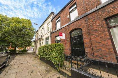 2 Bedrooms Terraced House for sale in Grafton Street, Ashton-under-Lyne, Greater Manchester