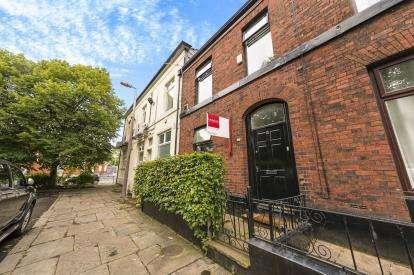 2 Bedrooms Terraced House for sale in Grafton Street, Ashton-under-Lyne, Greater Manchester
