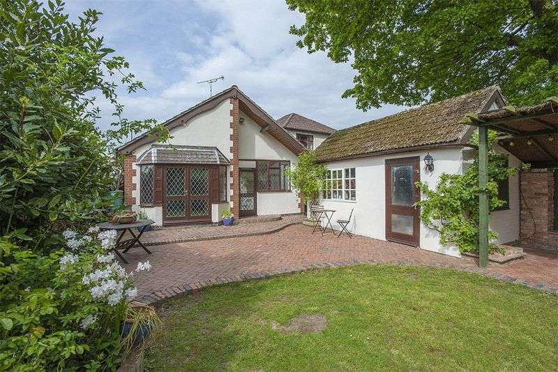 4 Bedrooms Detached Bungalow for sale in Rugby Road, Binley Woods, Warwickshire